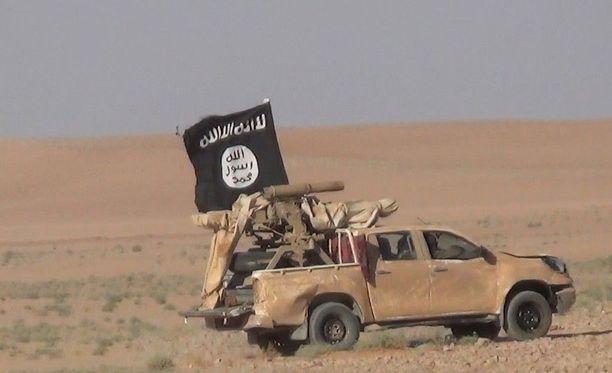 Isisin lippua ei enää juuri nähdä Syyriasta. Turkki pidätti tänään yli sata Isisin jäseneksi epäilemäänsä Ankarassa.