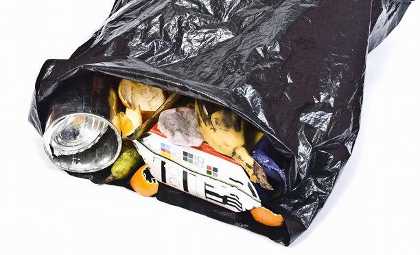 Masennuksesta kärsinyt asukas jätti roskat mätänemään.