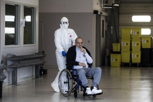 Bergamolainen Vincenzo on yksi vakavasta COVID-19-taudista parantuneista.