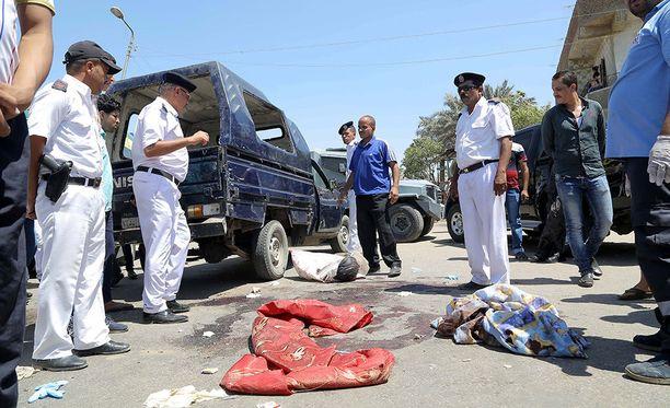 Egyptissä islamistimilitantit ovat tehneet useita iskuja poliiseja vastaan viime vuosina. Esimerkiksi 14. heinäkuuta tehdyssä hyökkäyksessä kuoli viisi poliisia.