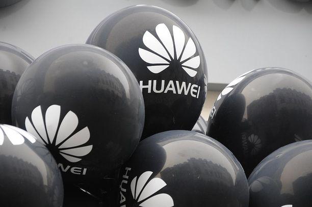 DNA:n myydyimpien puhelinten listalla oli huimat viisi Huawei-puhelinta.