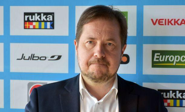 Jukka-Pekka Vuori odottaa Andreas Mitteriltä tuloksia.