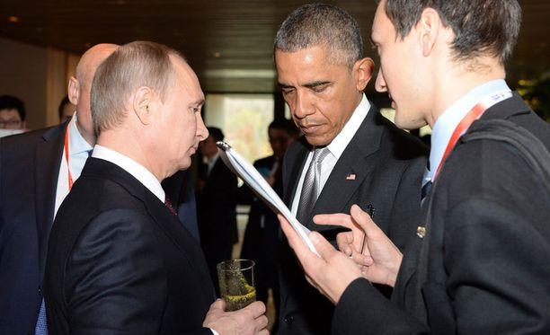 Vladimir Putinin ja Barack Obaman välit vaikuttivat kireiltä, kun presidentit tapasivat Kiinassa.