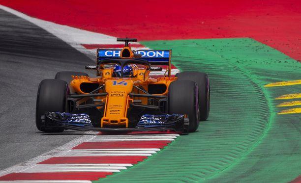 McLarenin Fernando Alonso aloittaa GP-urakkansa Red Bull Ringilla varikkosuoralla.