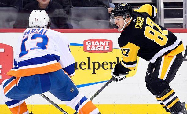 Sidney Crosby ei ilmeisesti loukkaantunut, sillä hän pelasi koko ottelun. Penguins nappasi Islandersista 4-3-jatkoaikavoiton.