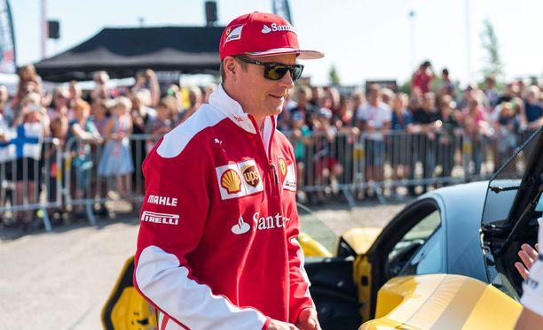 Kimi Räikkönen vaikutti olevan hyvällä tuulella Tanskassa.