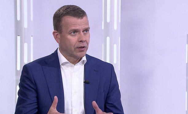 Kokoomuksen puheenjohtaja Petteri Orpo ei jaa perussuomalaisten arvoja eikä demarien näkemystä rahankäytöstä.
