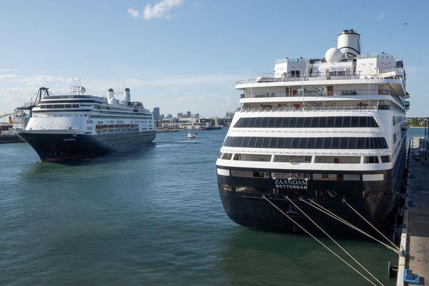 Rotterdam ja Zaandam telakoituivat Fort Lauderdalen satamaan torstaina.