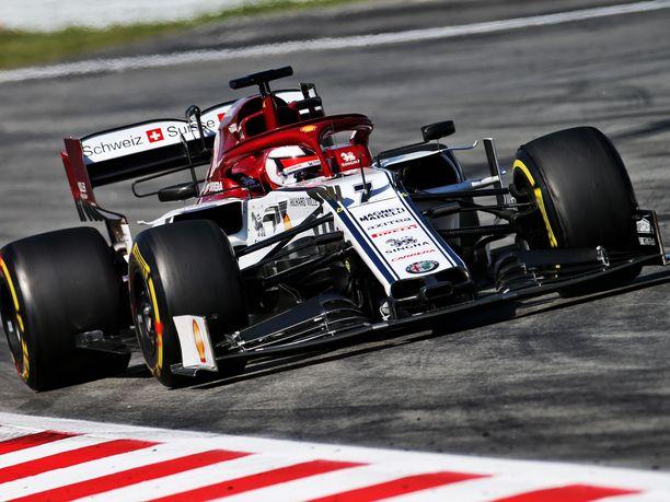 Kimi Räikkönen kiersi Katalonian moottoriradan keskiviikkona 110 kertaa.