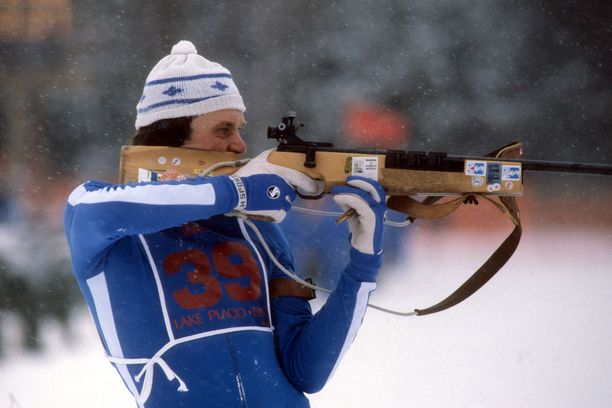 Heikki Ikola pystyammunnassa Lake Placidin olympialaisissa vuonna 1980.