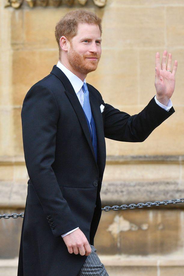 Prinssi Harry edusti yksin.