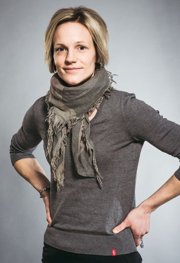 Veera Niemisen rakkausromaani Avioliittosimulaattori julkaistiin vuonna 2013. Kirja oli ehdolla Helsingin Sanomien kirjallisuuspalkinnon saajaksi.