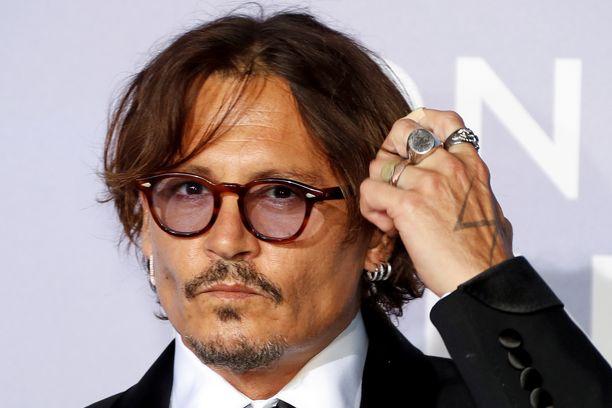 Depp on myös jättäytynyt pois Ihmeotukset 3 -elokuvasta oikeusjutun häviämisen myötä.