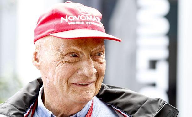 Niki Lauda hengittää taas terveillä keuhkoilla.