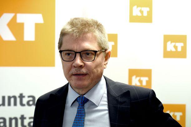 Kuntatyönantajien työmarkkinajohtaja Markku Jalonen toteaa, että kuntataloudessa ei ole varaa ylimääräisiin palkankorotuksiin. Arkistokuva.