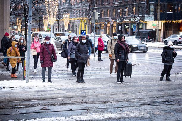 Eniten rokoteannoksia on annettu Helsingin ja Uudenmaan sairaanhoitopiirissä.