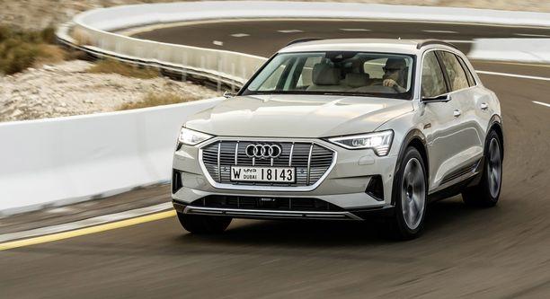 Audi e-tron on päässyt jo tien päälle ja alkuvuoden aikana myös Suomen teille.