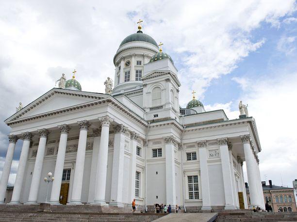 Samaa sukupuolta olevat parit voivat jatkossa mennä naimisiin esimerkiksi Helsingin tuomiokirkossa, Helsingin tuomiokirkkoseurakunnan seurakuntaneuvosto päätti.