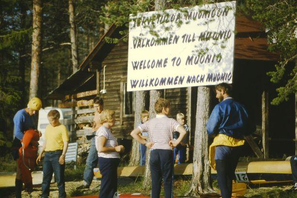 Eini ja Hannes Pietikäisen leirintäalue Muoniossa alkoi vuonna 1973 pienestä kioskista ja keittokatoksesta.