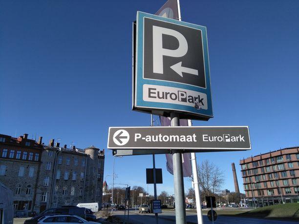 Nykyisin suomalaisillakin kännykkäliittymillä pitäisi olla mahdollista maksaa pysäköinnistä Tallinnassa.