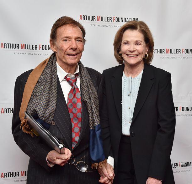 Ron Leibman vaimonsa vierellä vuonna 2016.