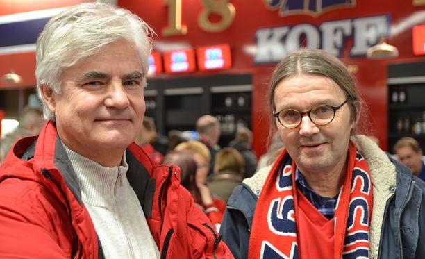 Kari Veräjänkorva (vas.) ja Paavo Tukia näkivät perjantaina aivan toisenlaisen JYPin kuin etukäteen odottivat.