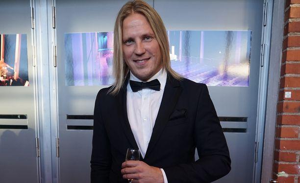Sami Kuronen toivoo, että ne jotka eivät Temptation Island Suomea katso, antaisivat ohjelmalle mahdollisuuden. Silloin tosin sarjaan voi jäädä koukkuu, Kuronen sanoo.