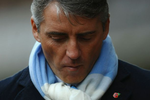 Roberto Mancinilla ei ole tällä hetkellä helppoa.