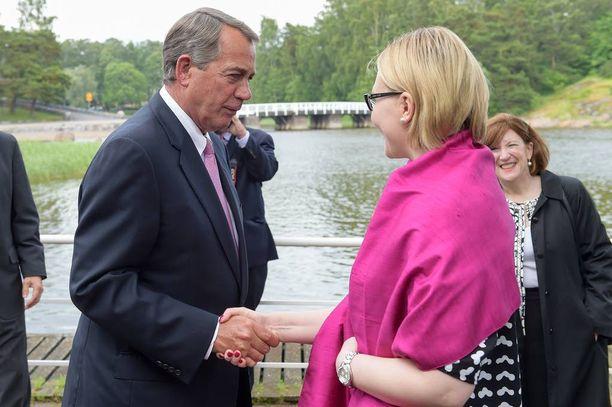 Eduskunnan puhemies Maria Lohela tapasi Yhdysvaltain kongressin edustajainhuoneen puhemiehen John Boehnerin.