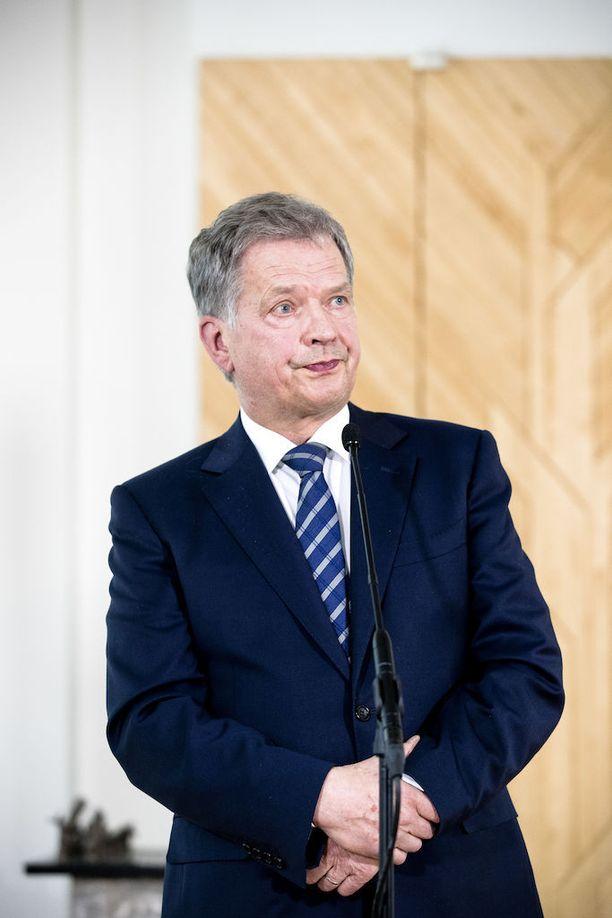 Presidentti Sauli Niinistö ilmoitti hakevansa toiselle presidenttikaudelle valitsijayhdistyksen kautta.