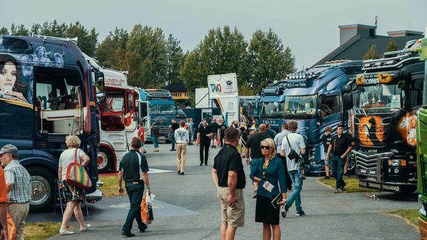 Power Truck Show on sekä kuljetusnäyttely että autonäyttely.