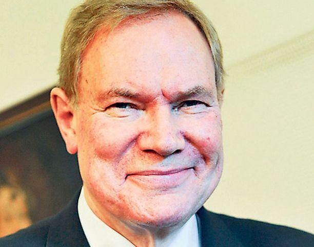 """Paavo Lipponen on jo kestoehdokas Eurooppa-neuvoston puheenjohtajaksi. """"Presidentti"""" valittaneen joulukuussa."""