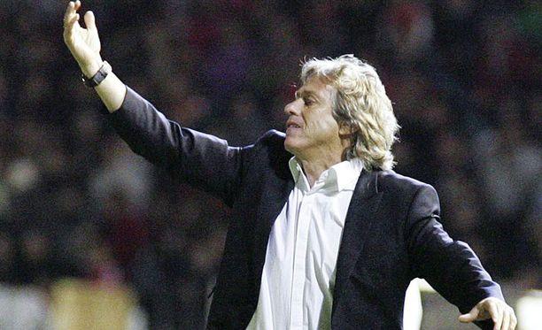 Benfican manageri Jorge Jesus on viekas kettu.