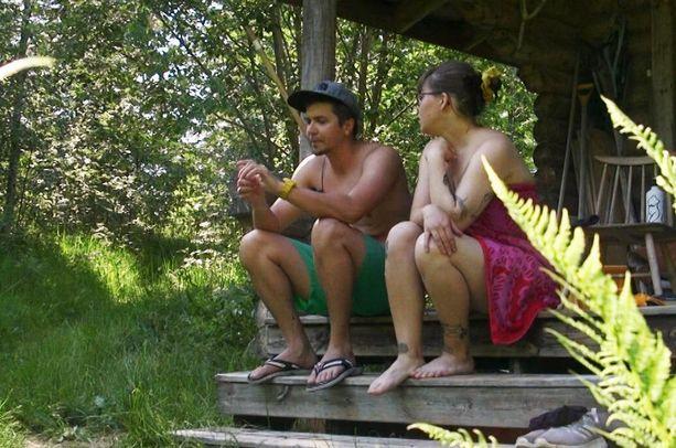 Ehtivät Tuomas ja Emma sentään mökillekin.