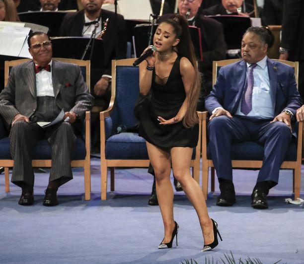 Ariana Grande lauloi Aretha Franklinin muistotilaisuudessa viime syksynä.
