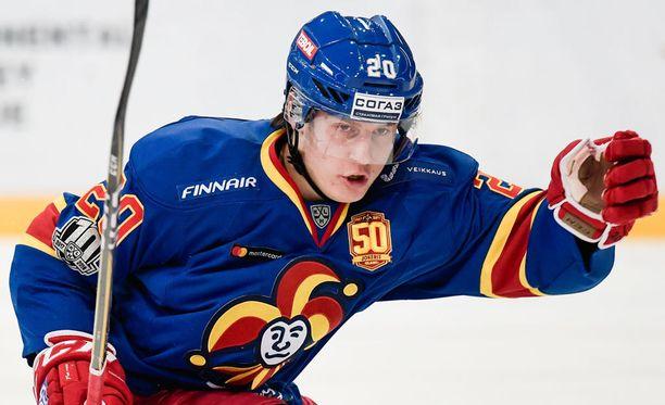 Jokerien 18-vuotias Eeli Tolvanen on kerännyt 13 ottelussa 16 (9+7) tehopistettä.