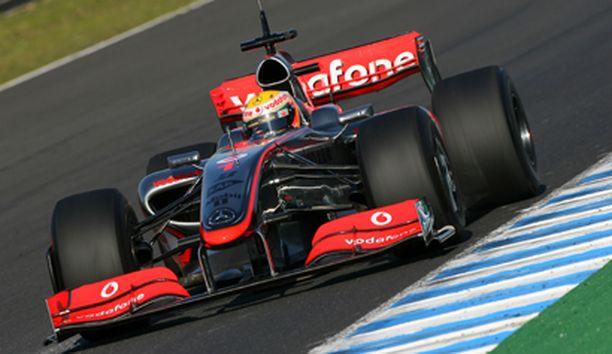 Hamilton testasi uutta McLarenia Jerezissä.