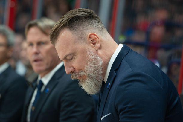 Rikard Grönborg ärähteli tv-haastattelussa.