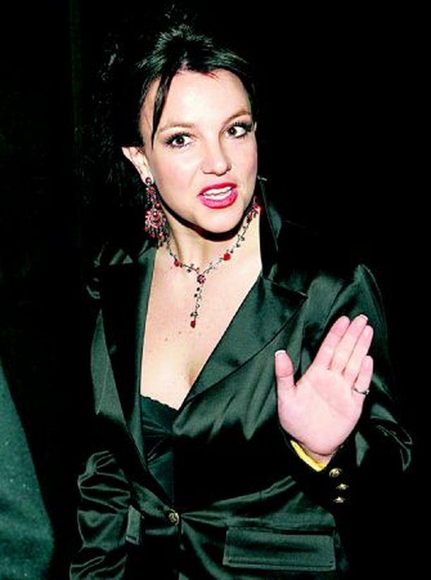 Britneyllä on lisää ongelmia.