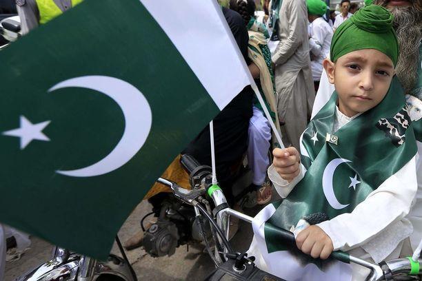 Myös maan sikhi-vähemmistön edustajat juhlivat itsenäisyyttä. Suurin osa pakistanilaisista on muslimeja.
