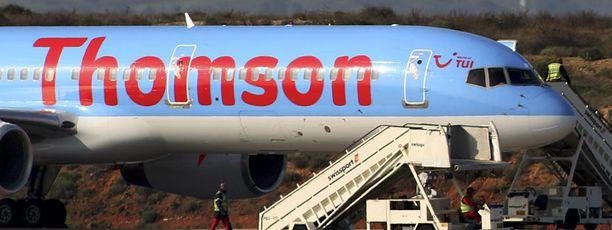 Phuketiin matkalla ollut Thomson Airwaysin kone joutui palaamaan Suomeen teknisen vian takia. (Kuvan kone ei liity tapaukseen.)