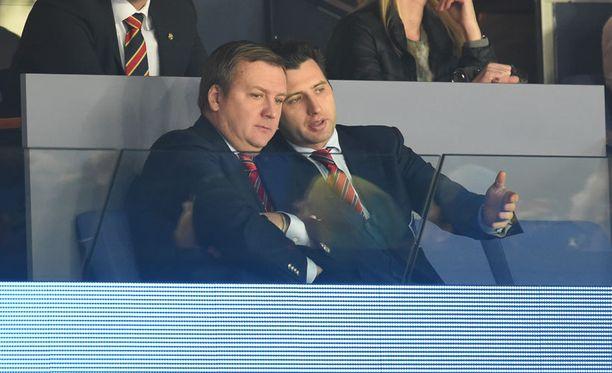 Roman Rotenberg (oikealla) luotti krakavalinnassaan jälleen SKA:n väreihin.