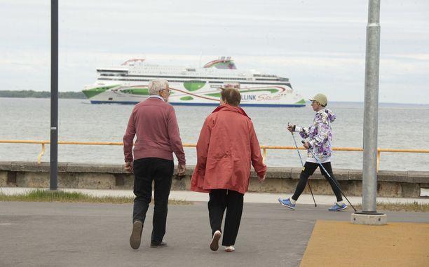 Viro on sallinut matkustuksen maahan 1. kesäkuuta alkaen.