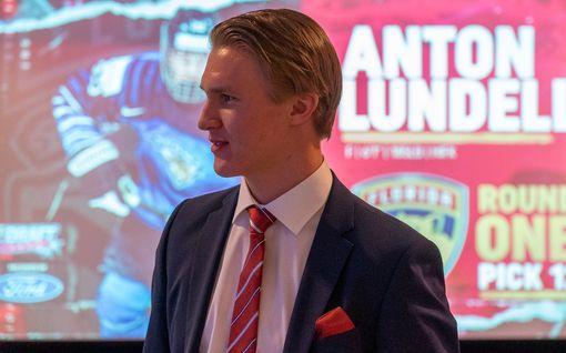 """Florida Panthers varasi HIFK:n Anton Lundellin – jännitys laukesi: """"Nyt on tosi helpottuneet fiilikset"""""""