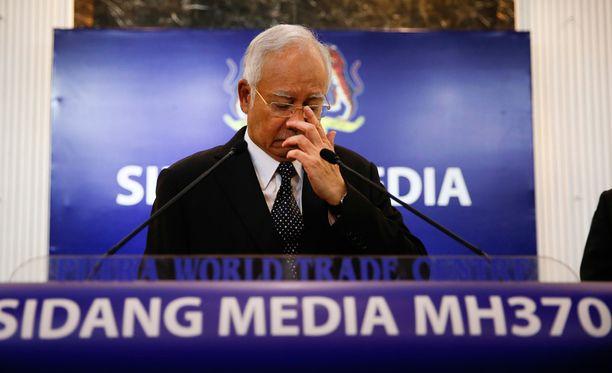 Pääministeri Najib Razak piti keskiviikkona tiedotustilaisuuden kadonneesta koneesta.