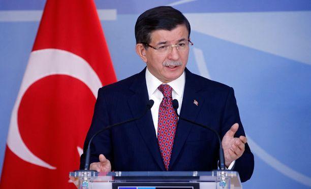 Turkin pääministeri Ahmet Davutoglu toivoo, että Venäjän ja Turkin väliset suhteet paranisivat, eikä vastapakotteita tarvitsisi käyttää.