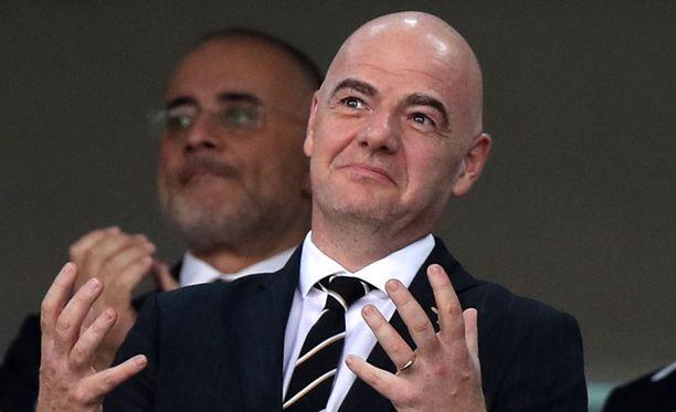 Fifan puheenjohtaja Gianni Infantino kutsui aiemmin pelastetut seuraamaan MM-finaalia Moskovaan.
