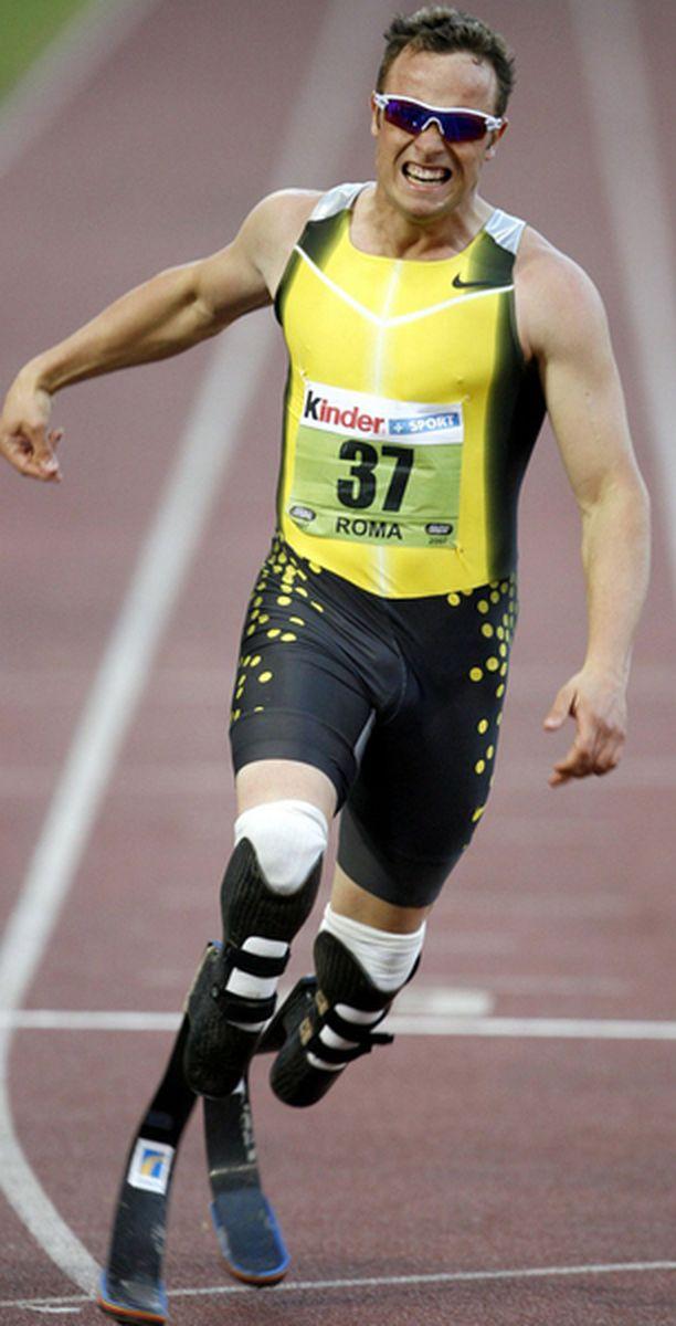 Olympiahaaveiden kariutumisesta huolimatta Oscar Pistorius haluaa edelleen osallistua terveiden kisoihin.