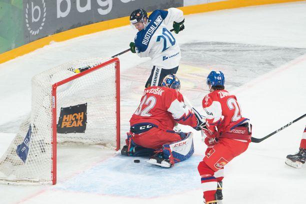 Arttu Ruotsalainen ujutti Tshekkiä vastaan 1-0-avausmaalin, joka jäi myös ottelun voittomaaliksi.
