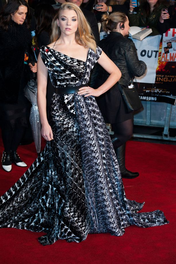Game of Thronesista tuttu Natalie Dormer hurmasi elegantilla puvullaan.